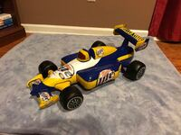Blue and yellow F1 RC toy Brunswick, 31525