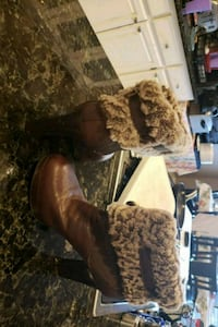 Uggs boots used size 7 1/2 1023 mi