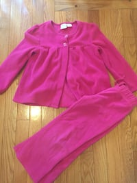 Cute fleece outfit hot pink size 4t and 5T Warwick, 02888