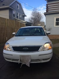 2005 Ford Five Hundred SLE all wheel drive, ABS, no accidents, one owner (grandma and daughter) 108K miles 278 mi
