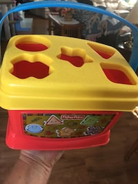 Fisher Price, learning shapes put in box, new Des Moines, 50317