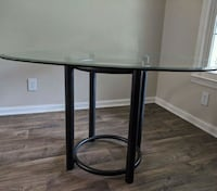 Sturdy glass dining table Greensboro, 27410
