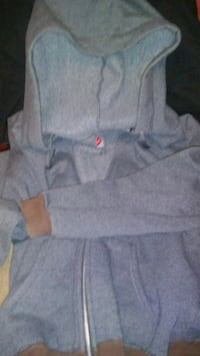 Hanes small gray hoodie Chicago, 60623