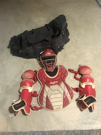 Red intermediate catchers gear with a bag Westminster, 21158