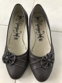 pair of black leather flats Vaughan, L4K 5W4