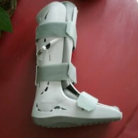 Aircast Boot for either foot, I'm size 7 1/2 - 8 Peterborough, K9J 4Y9