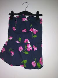 Top Hollister size Small/ pick up
