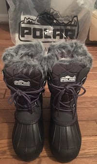 Brand new winter boots Catonsville, 21228
