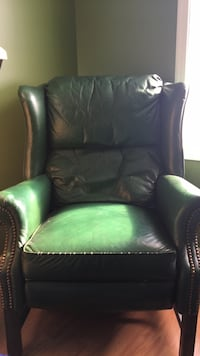 Green leather sofa chair Martinsburg, 25404