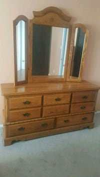 Oak wood bedroom sets No matters  Ottawa, K2J