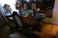 Dining Table and 6 chairs. Toronto, M6B 2W3