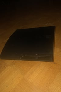 PS3 no power cord still works controller and controller cord Toronto, M3A 1R1