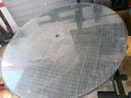ROUND WICKER OUTDOOR DINING TABLE