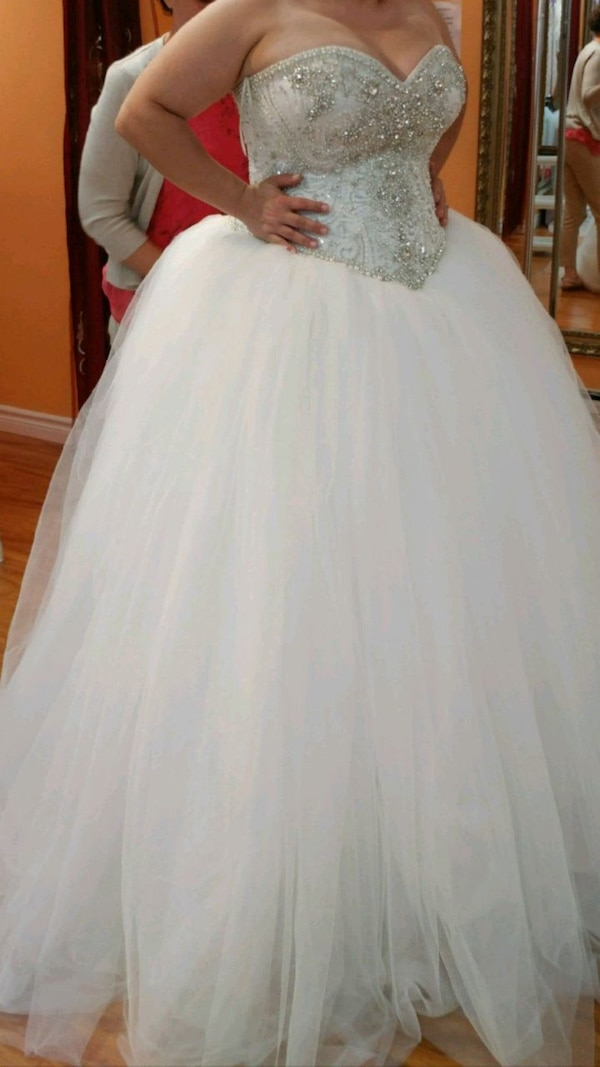 women's white wedding ball gown. Serious buyers only  aa6e75d9-68a0-4a01-ad82-0ff1abc82d03