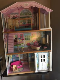 pink and white 3-storey dollhouse Leesburg, 20176