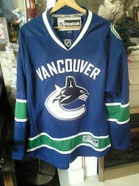 blue and white Reebok Vancouver jersey top Surrey, V3V 5T3