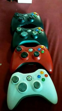 4 Xbox 360 Wireless Controllers  Los Angeles, 90011