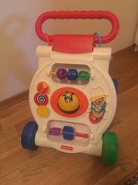 babyens hvite, røde og grønne Fisher Price learning walker Halden, 1782
