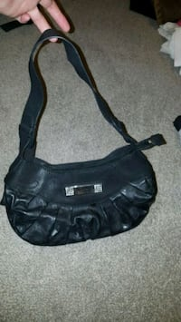 Guess purse  Guelph, N1K 1P5