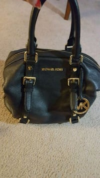 MK purse 100% authentic  Mississauga, L5N