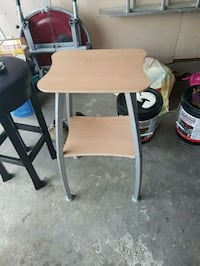 brown and gray wooden desk Mississauga, L4T 2A5