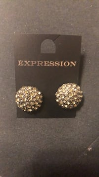Expression from The Bay Statement Earrings - Final Listing Mississauga, L4Z 1H7