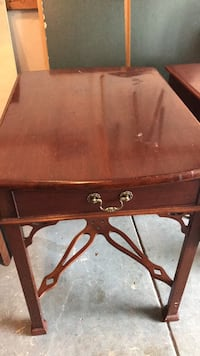brown wooden 2-drawer end table Leesburg, 20175