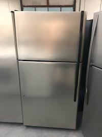 GE Stainless Steal Top/Bottom Refrigerator  Charlotte, 28134