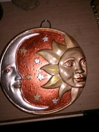 "Sun and moon plaque 6.5""  Vancouver, 98662"