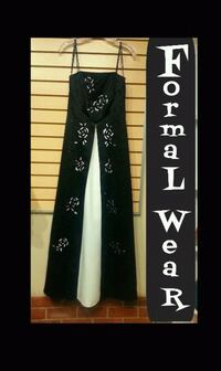 Black and White Formal Dress ( Size : 8) Port Coquitlam, V3C 2A1