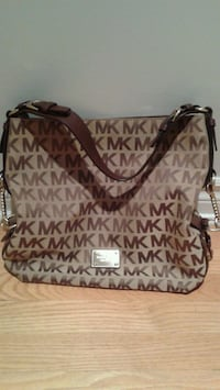 Michael Kors leather handle tote bag Toronto, M2L