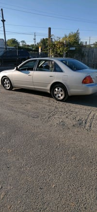 2001 Toyota Avalon Fully Loaded Silver Spring