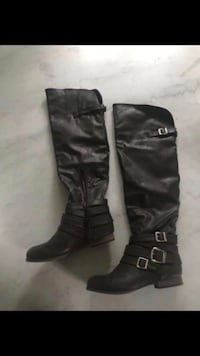 Size 7 knee high brown boots Chelsea, 02150