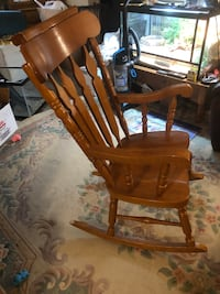 Brown wooden  rocking chair London, N5Z 3C3