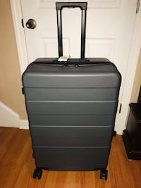 Suitcase Hendersonville, 37075