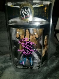 Wwf's Bret Hart signed & authenticated figure  Toronto, M1L 2T3