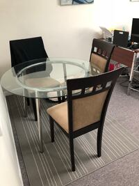 Round Glass table and chairs  Antelope, 95843