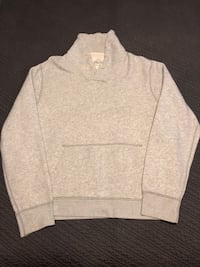 gray and white long sleeve shirt Kettering, 45420