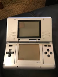 Nintendo DS (+4games) West Mayfield, 15010