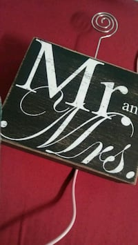 Mr and Mrs sign Oakland, 94619