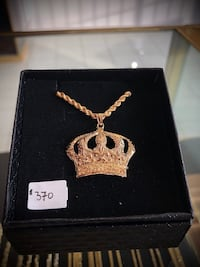 10k yellow gold rope chain with crown pendant  Toronto, M2J 4E3