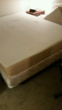 white and brown bed mattress Longueuil, J4K 3V7