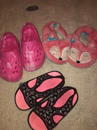 toddler's three pairs of shoes King George, 22485