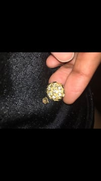 10k gold diamond earring Sacramento, 95822