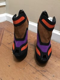 Pair of black-and-multicolored platform heel stiletto Centreville, 20120