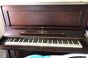 Old piano!!! Must go!!!