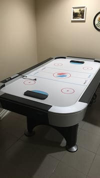 white and black air hockey table Vaughan, L4L 6X1