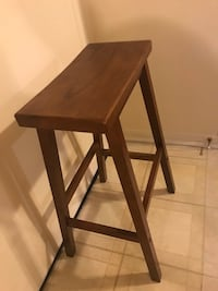 """29""""hight wood stool click on my profile picture on this page to check my listings message me if you interested pick up in Gaithersburg Maryland 20877 Gaithersburg, 20877"""