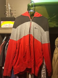 red and gray zip-up jacket Milan, 48160