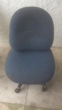 black and gray rolling armchair Ventura, 93001